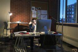 ESLPodcast 35 – تا دیر وقت کار کردن در اداره